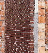 Многослойная стена из кирпича