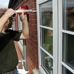 Установка деревянных окон в кирпичных и панельных домах